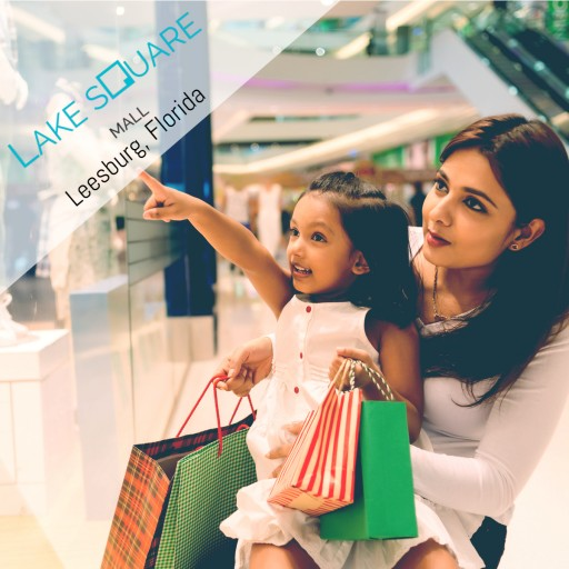 Fashion Weekend and New Stores at Lake Square Mall