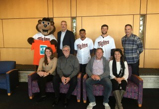 Mayo Clinic 100th iPad Donation with MN Twins Organization