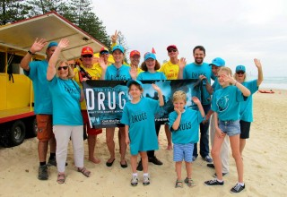 Burleigh Life Saving Club joins the Drug-Free World team at the 2018 Commonwealth Games