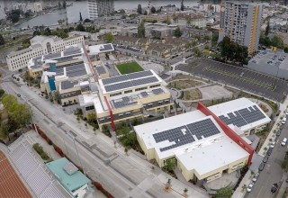 """La Escuelita Educational Center Earns Honors for First """"Grid-Neutral"""" School"""