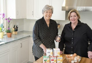 Negg® Egg Peeler Inventors in Bonnie's Kitchen