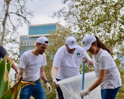 Hollywood Cleanup Brightens Streets and Lives