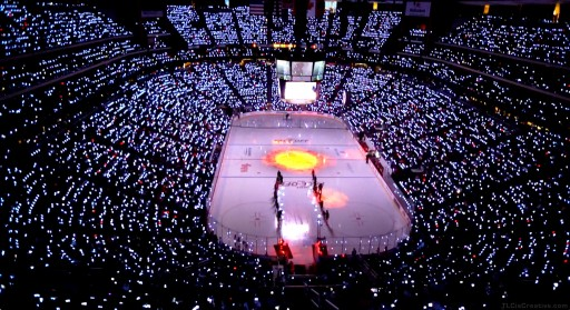 Xylobands Light Up Arizona Coyotes Season Opener with a 250,000 LED Light Show