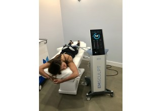 Emsculpt treating gluteal muscles