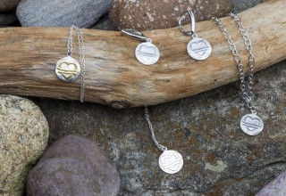 Judie's Heart Jewelery sales help fund meals to families holding vigil for loved ones at hospice.