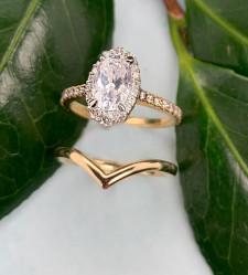 Designer Bridal Jewelry: Yellow Gold Wedding Set