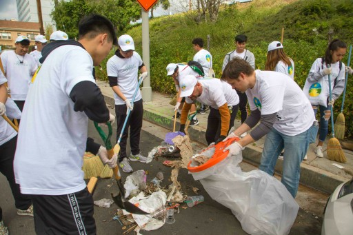 Monthly Cleanup Brightens Hollywood