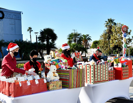 Joining Forces With the LAPD to Make Christmas Special for Underserved Kids