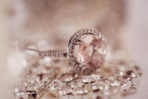 Albert's Diamond Jewelers Celebrates Motherhood and Marriage With Special Events This April
