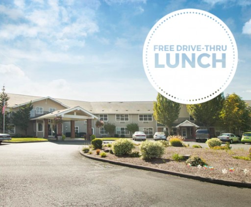 Avamere at Newberg Hosts Free Drive-Thru Lunch for Local Community