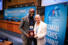 Rev. Travis Ellis presented with the Human Rights Hero Award