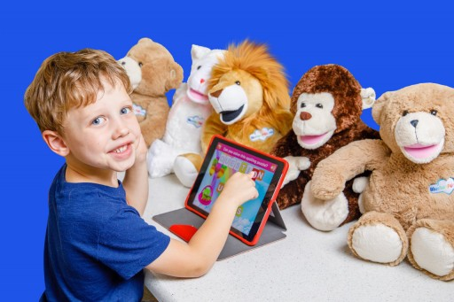 Bluebee Pals Pro Earns 2019 Academics' Choice Smart Media Award for Mind-Building Excellence