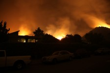 Fires rage out of control in Southern California (Shuttersock)