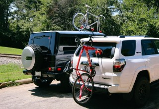 Two ways to mount bikes