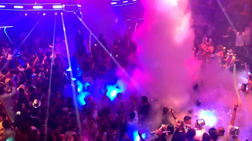 Nightclubs Add New Technology Wireless Lighting FX and Live Special Effects