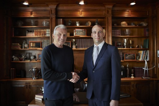 Isaac Nuriani Awards Official Gold IRA Corporate Title to Hall of Fame Quarterback Joe Montana