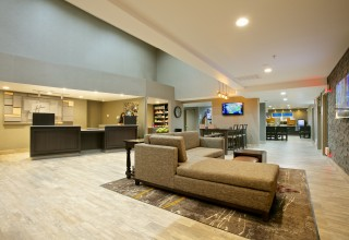 Holiday Inn Express & Suites, Paso Robles CA