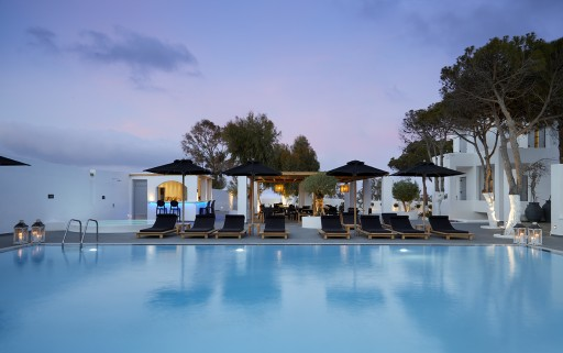 Kalisti Hotel & Suites: The Hotel With the Largest Pool in Fira, Santorini Gets Even Better