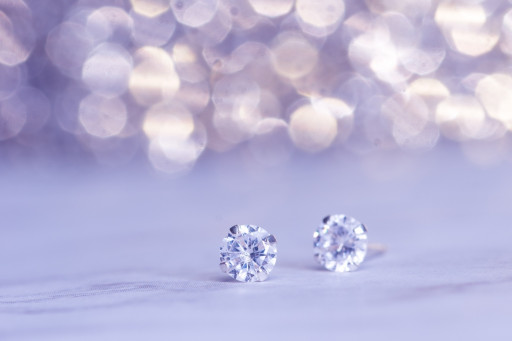 The Gift of the Season: Diamond Studs at Rottermond Jewelers