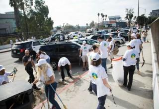 Hollywood Village volunteers