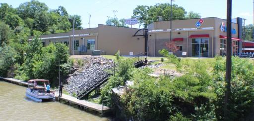 Domino's Pizza Offers Boat Dock Pickup Option in Hot Springs