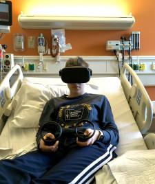 18Loop Kid Elizabeth uses VR