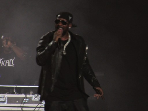 "R. Kelly ""The King Of R&B"" Tells His Story On Stage At The Prudential Center, Newark, NJ"