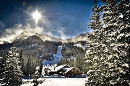 """Private Air Luxury Homes Magazine's """"Win a VIP Ski Experience for Two"""" Sweepstakes"""