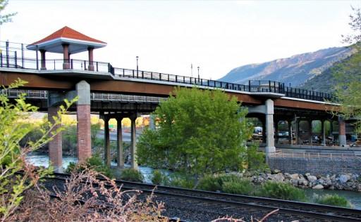 Glenwood Hot Springs Guests Benefit From New Pedestrian Bridge