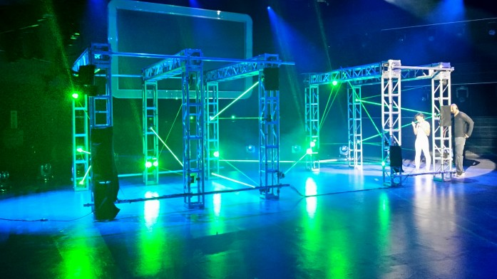 Maze of Laser Beams Creates Spectacular Challenge For TV Competition