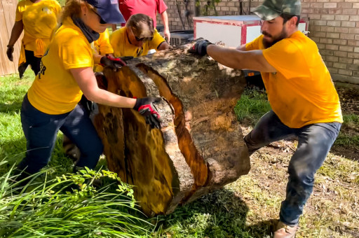 Help and Friendship is What Disaster Relief is All About, Say Scientology Volunteers