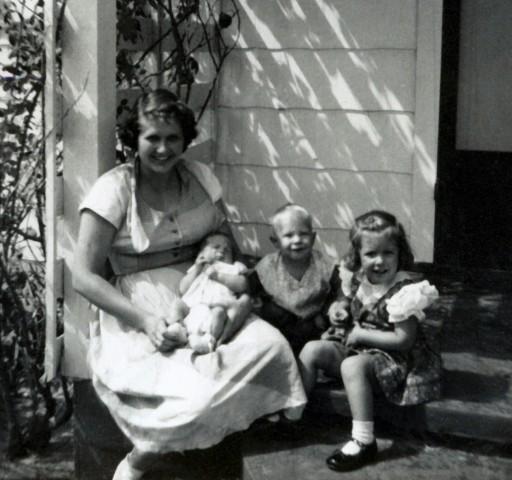 Digitizing Photos Claimed as New Secret to Genealogy