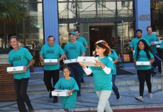 Drug-Free World volunteers picked up copies of drug education materials from the Church of Scientology Los Angeles and headed out to Staples Center and NBA All-Star Game weekend.