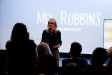 Mel Robbins teaches How to Break on CreativeLive.com