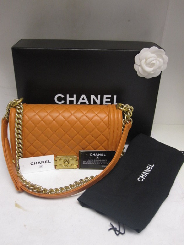 Creme Consigners Handbagsmiami An Industry Leader In Online Consignment And S Of Pre Owned Luxury Handbags Designer Clothing