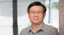 Gladstone Senior Investigator Yadong Huang
