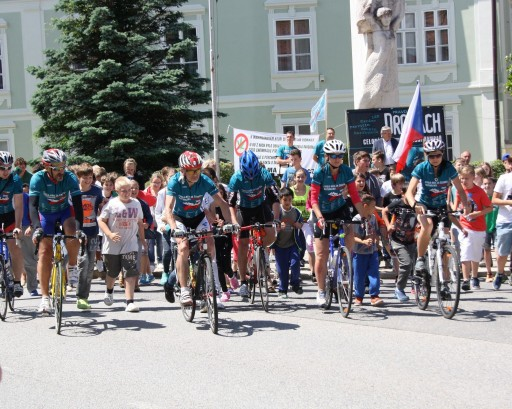 Running and Biking for a Drug-Free Country