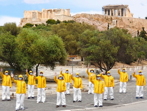 Scientology Volunteer Ministers of Athens Contribute to Country's Campaign Against COVID-19
