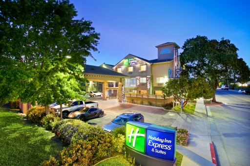 The Holiday Inn Express & Suites, Paso Robles Earns Coveted Torchbearers Award From IHG