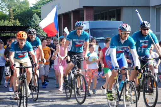 12-Day Cycling Event Brings the Truth About Drugs to Czech Youth