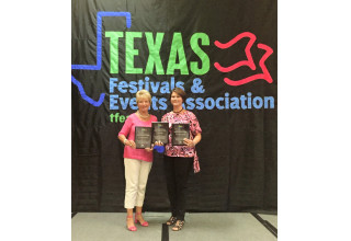 Jo Via and Jessica Jackson with TFEA Awards - 2014 photo courtesy of Plano Balloon Festival
