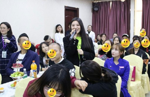 Hordes of Hair Loss Patients Gather at Hanfei Hair Salon