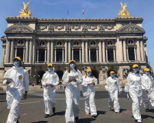 Scientology Volunteer Ministers of France reach out with help in the face of the pandemic.