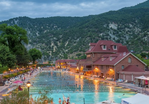 The Best Time of Year to Visit Glenwood Springs, Colorado