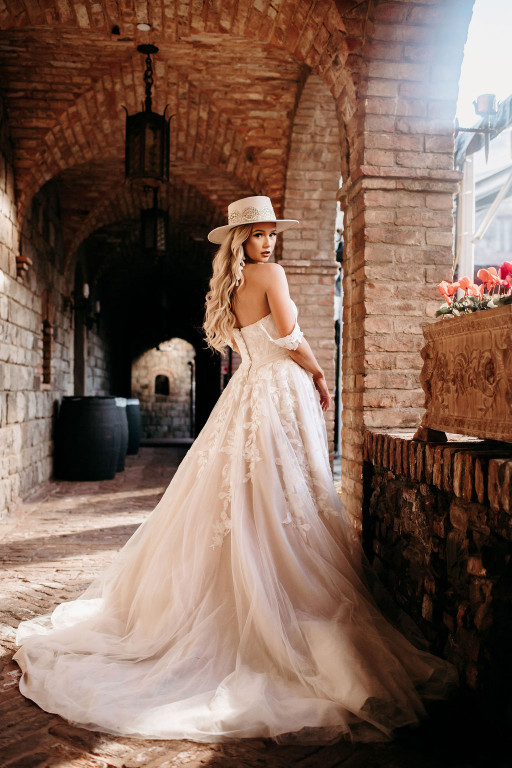 New Collection From Wedding Dress Brand Stella York Celebrates 'Spectacular Love'