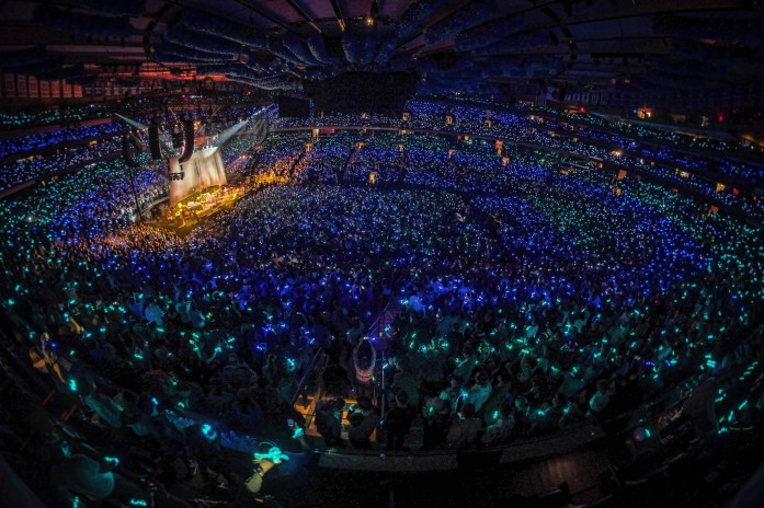 Phish Concert Lighting Up Everyone with Xylobands LED Wristbands