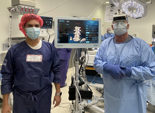 Dr. James Lynch of Spine Nevada Performs the 100th Procedure Using the Pioneering Augmedics xvision Spine System