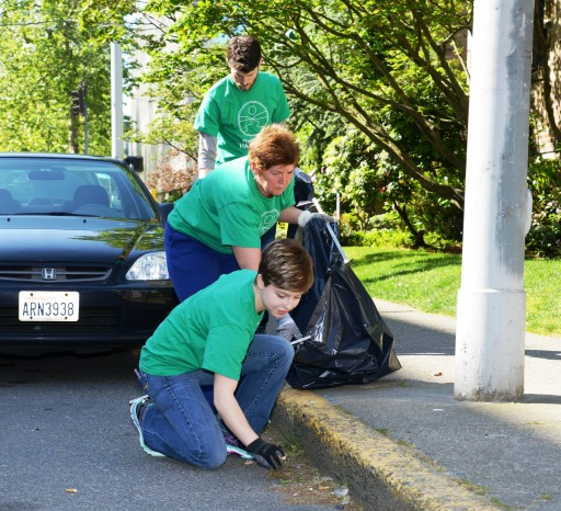Teaming Up to Keep Seattle Clean & Green