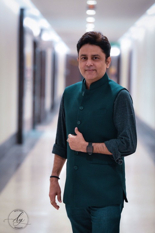 Mumbai's Celebrity Astrologer, Dr. Sundeep Kochar, Wins the Prestigious 2020 Three Best Rated Award