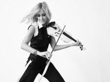 Wood Violins announced today that its new Nashville and Concert Series electric violins will be played onstage by Martie Maguire of the Dixie Chicks during the group's upcoming DCX MMXVI Tour